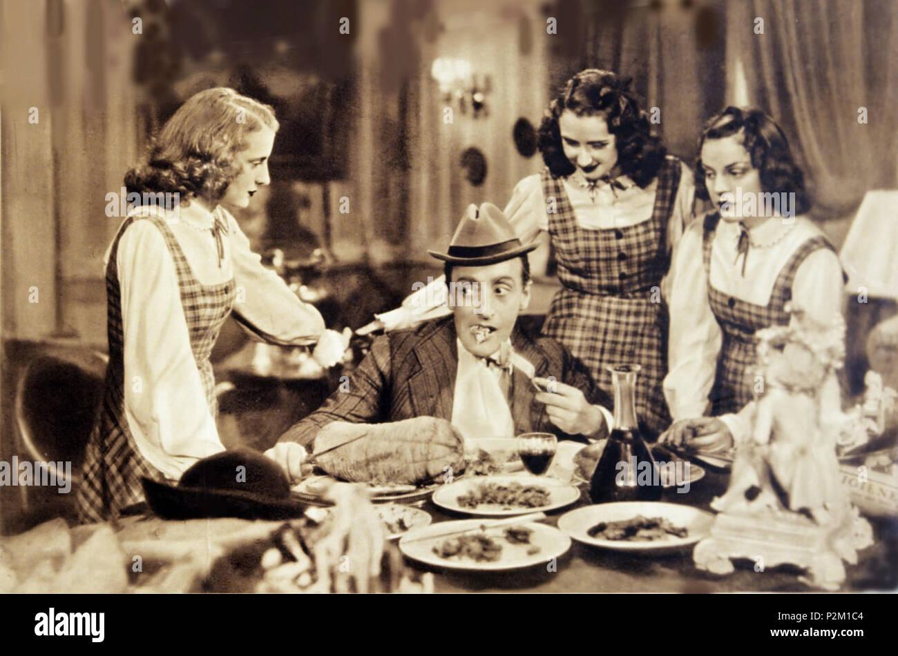 . Italiano: Totò con il Trio Primavera nel film Allegro fantasma . 1941. 6 sconosciuto Allegrofantasma 3 Immagini Stock