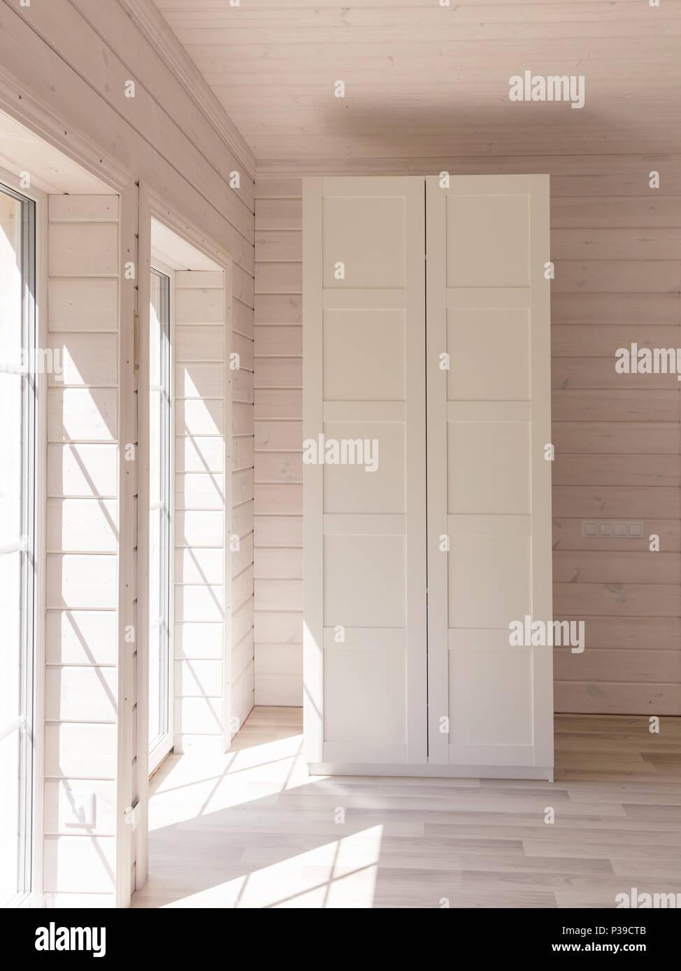 Lo stile scandinavo appartamenti. La luce interiore camera ...