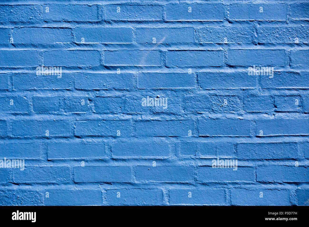 Muro di mattoni dipinto di blu in Warrenton Virginia, Foto Stock