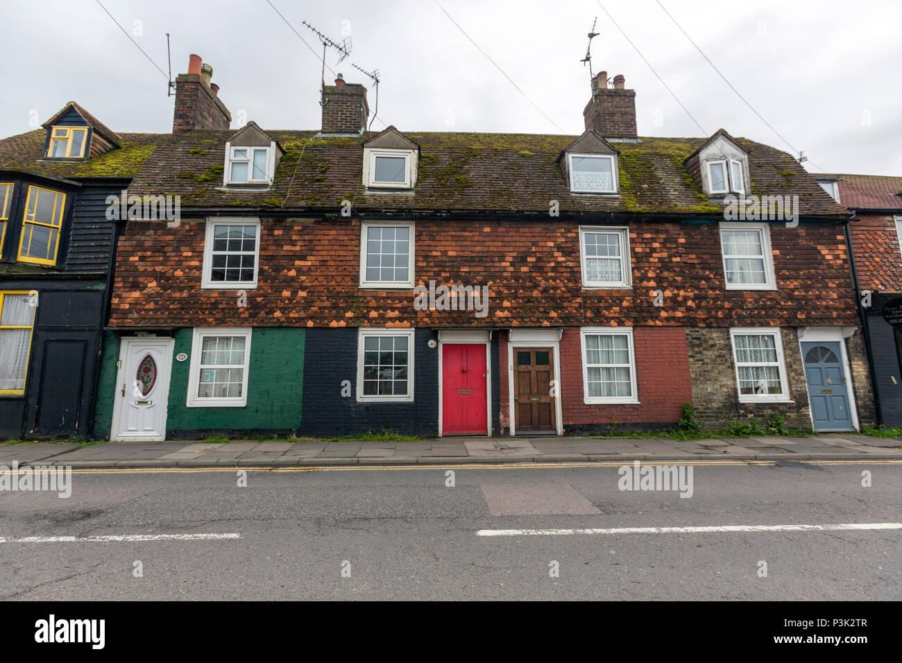 In parte la facciata con piastrelle color case in segale, East Sussex, England, Regno Unito Immagini Stock