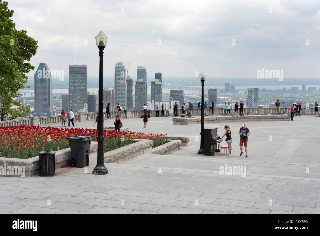 La città di Montreal, Canada, visto dal Parco Mount-Royal Immagini Stock