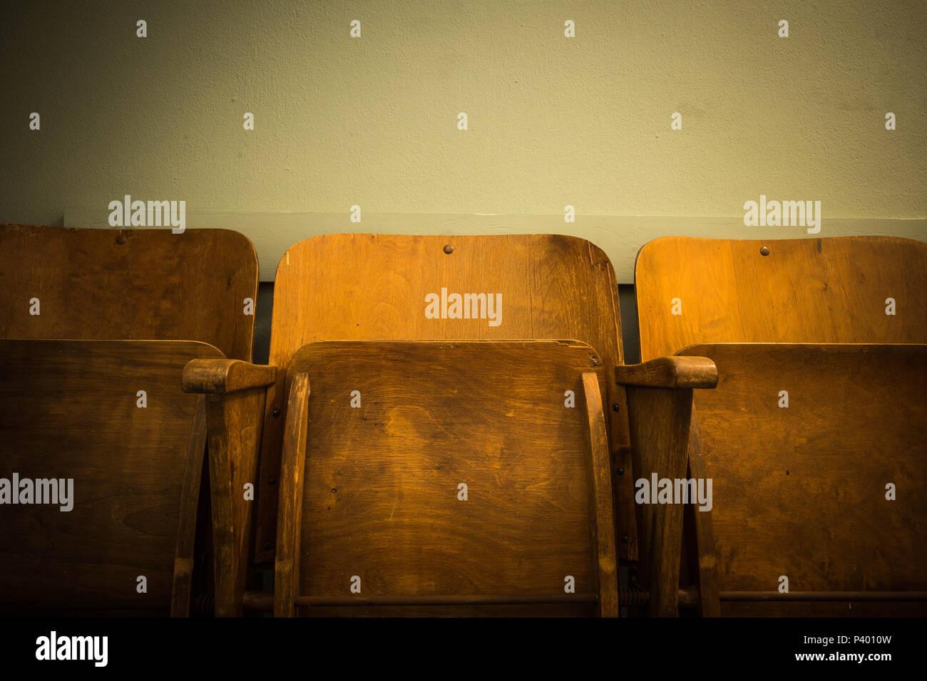 Sedie Cinema Legno Vintage.In Legno Antico Vintage Sedia Cinema O Antichi Della Scuola