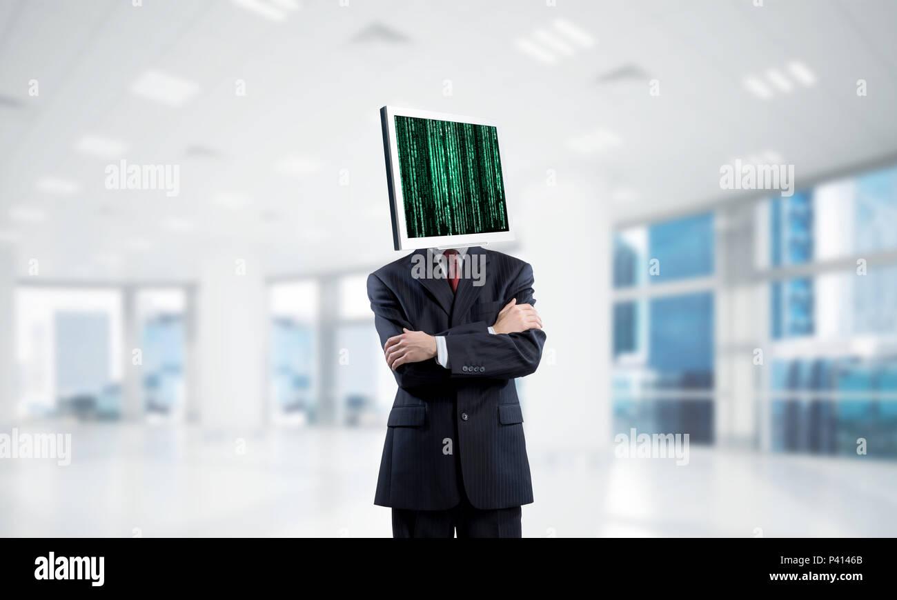 Imprenditore con monitor al posto della testa. Immagini Stock