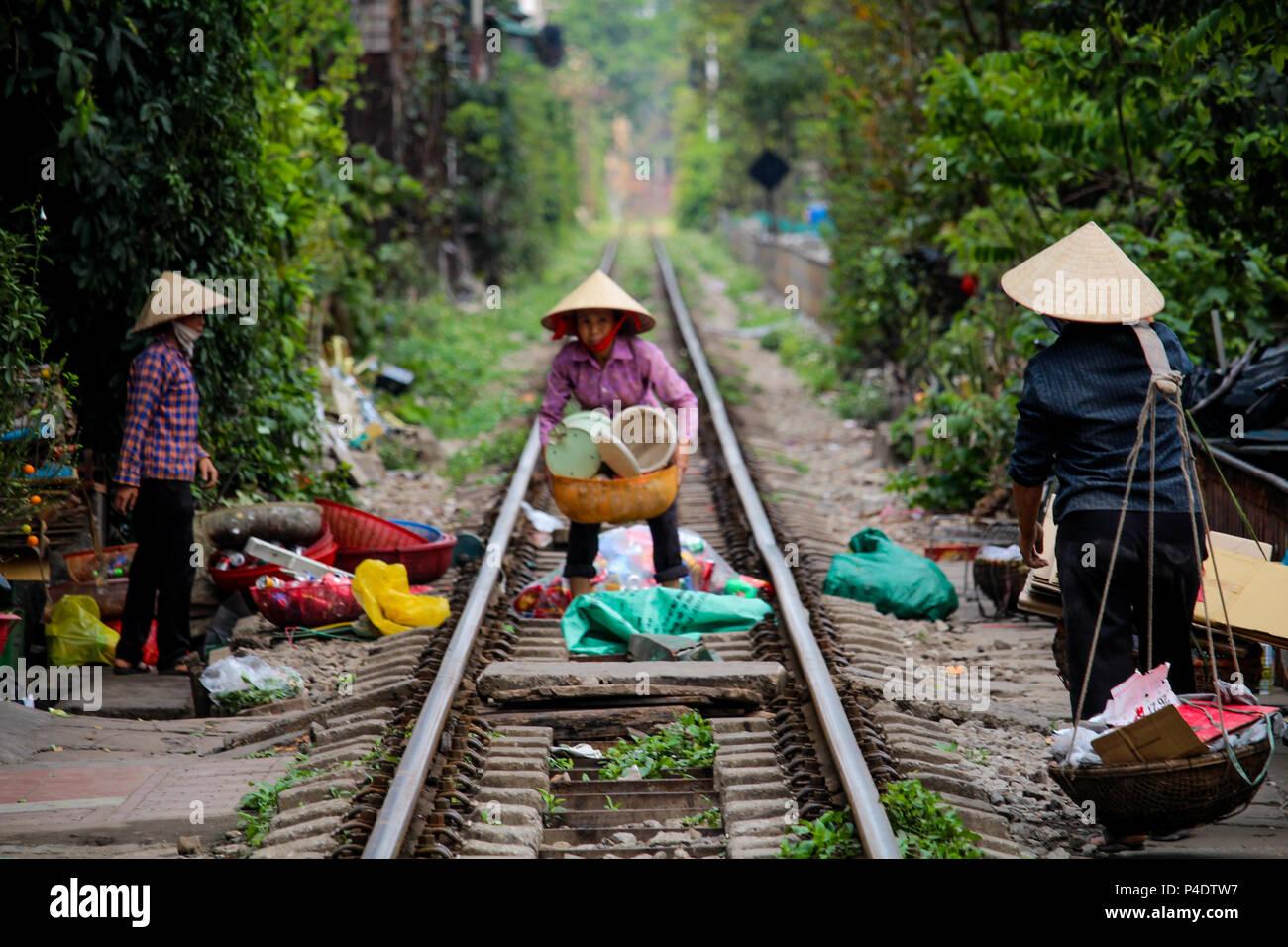 15 Architetti Famosi hanoi, vietnam - marzo 15, 2018: vietnamese le donne che