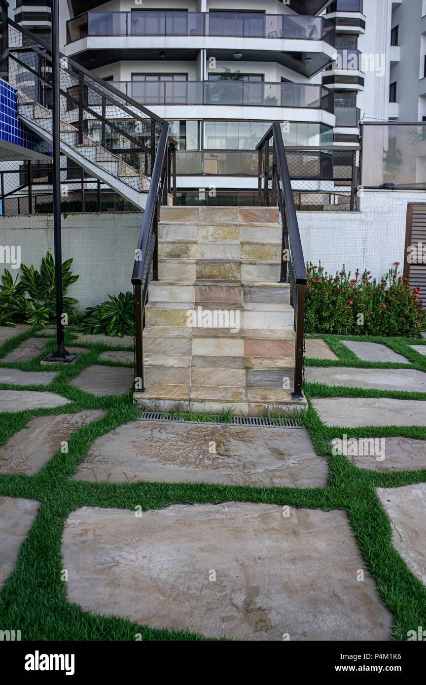 Pavimentazione Giardino In Pietra erba di pietra pavimento esterno scala di pavimentazione a