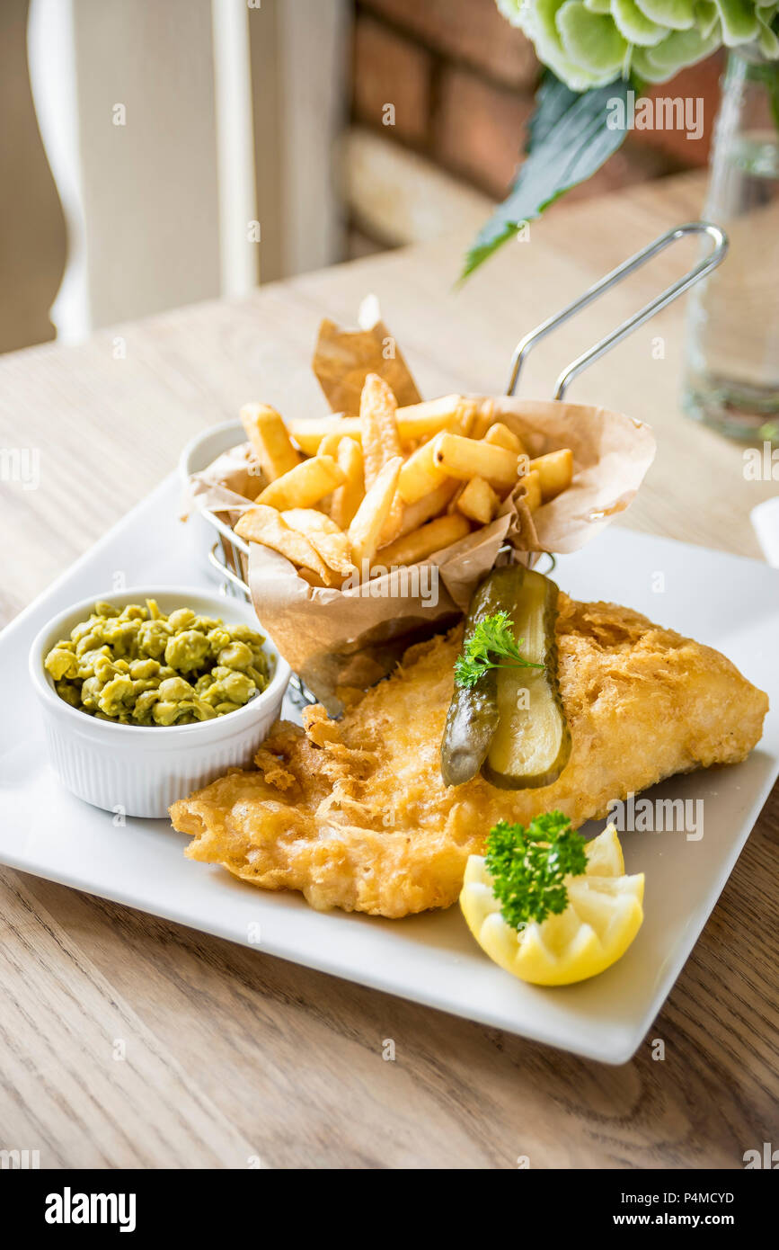 the latest 4571e 46bf8 Gourmet di pesce e patatine fritte filetti di merluzzo in ...