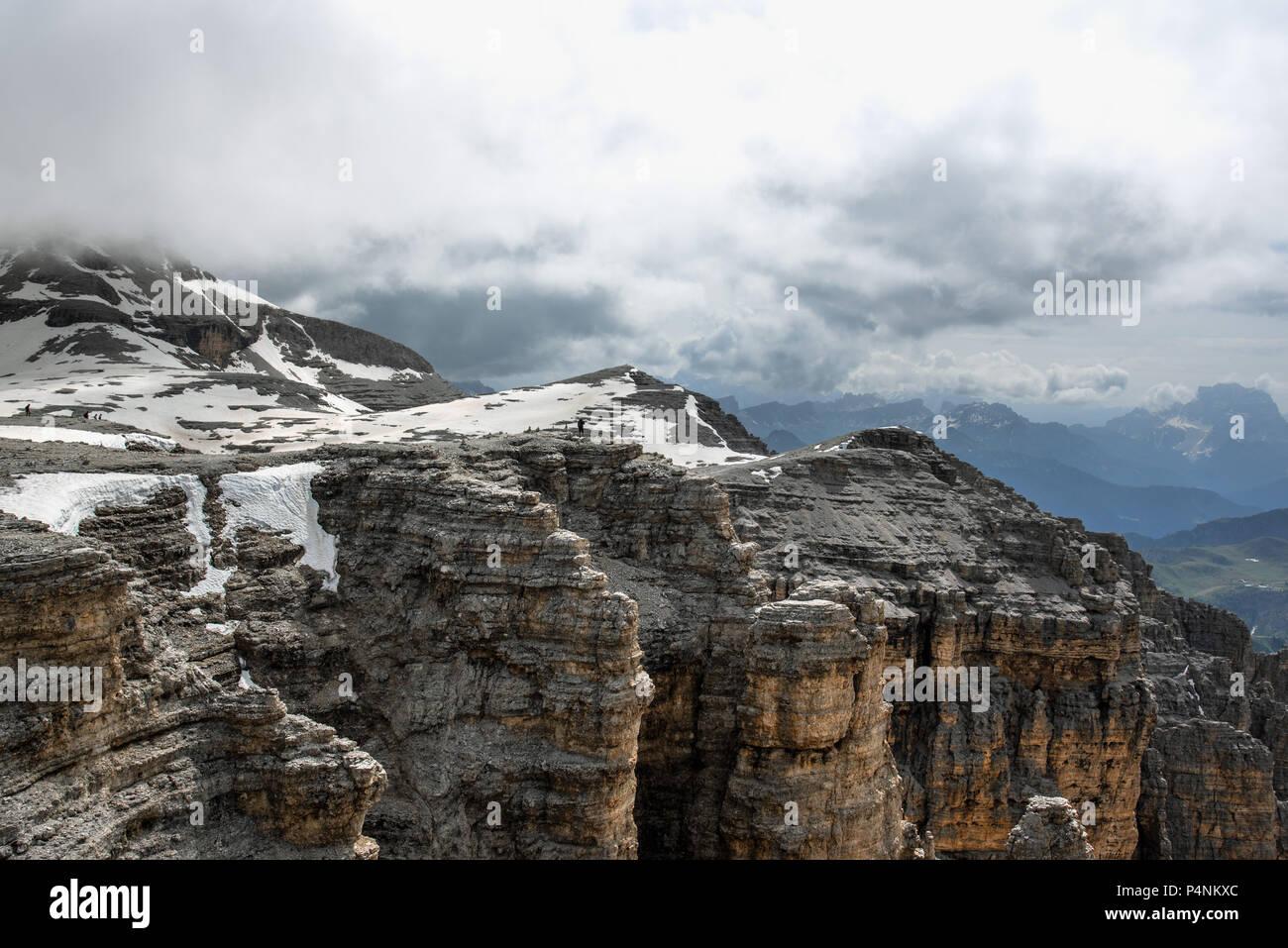 Vista delle Dolomiti dal Sass Pordoi Terrazza Foto & Immagine Stock ...