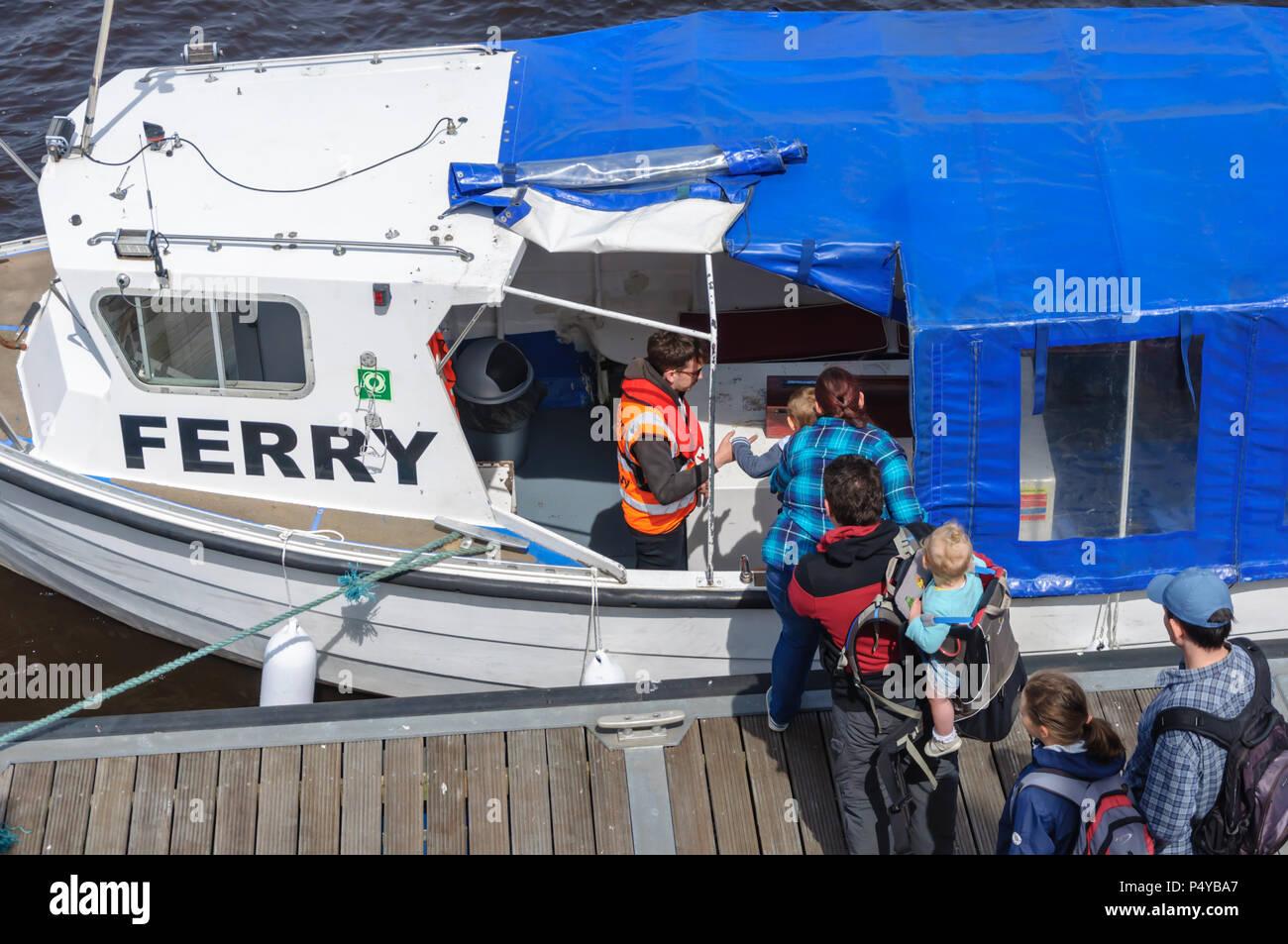 88cd71affc Mast Step Immagini   Mast Step Fotos Stock - Alamy