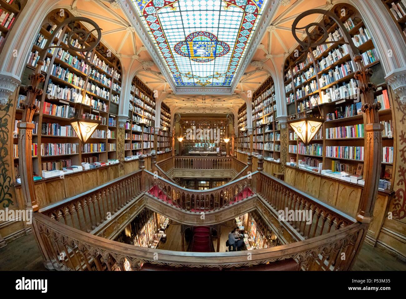 Famoso Lello Bookshop, interieur, soffitto, Porto Portogallo Immagini Stock