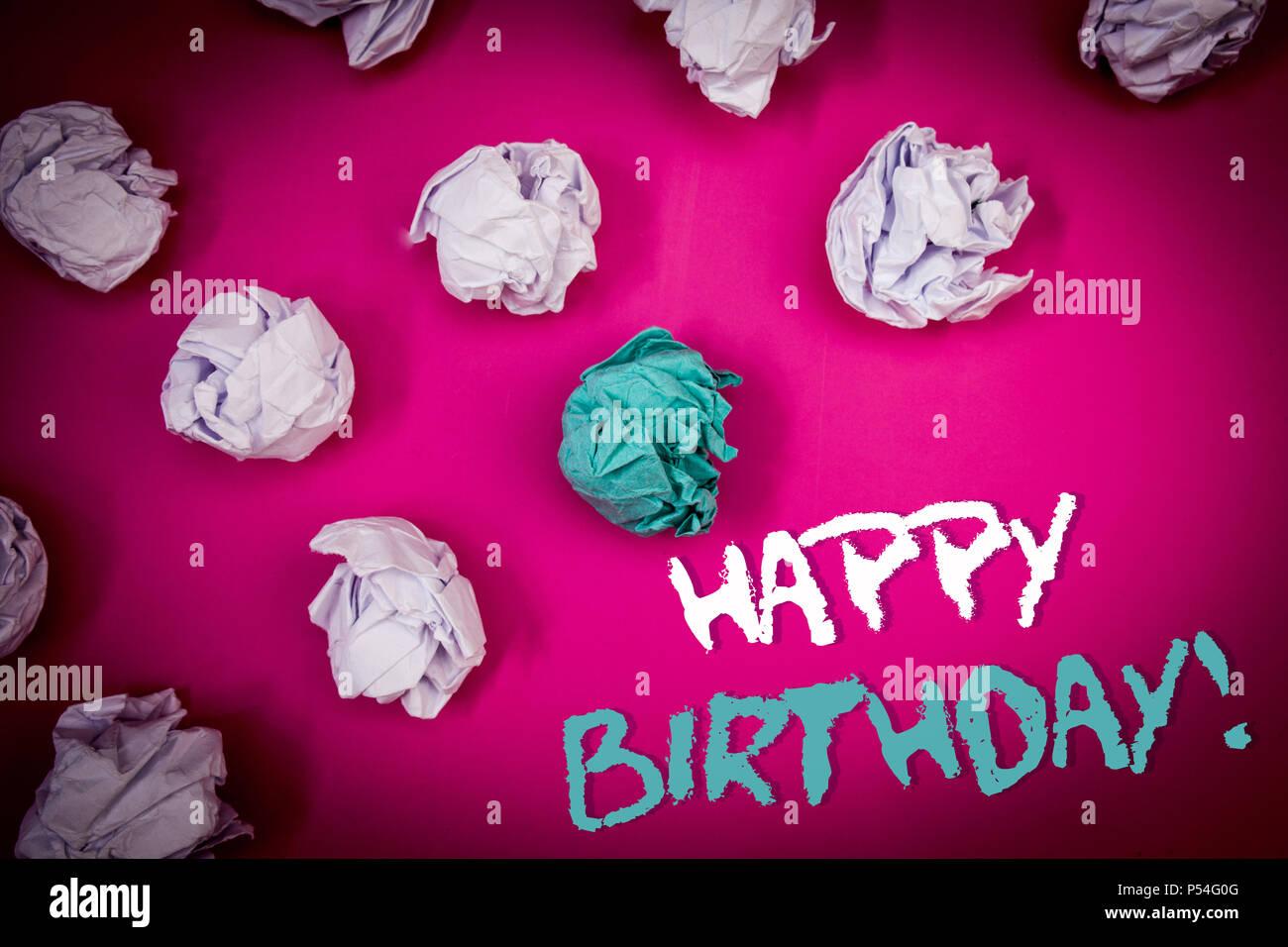 Idee Fotografiche Anniversario : Segno di testo che mostra buon compleanno motivazionali di chiamata