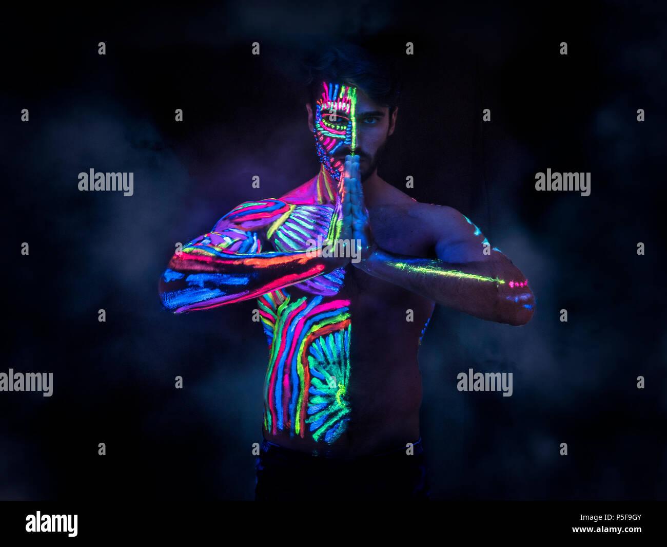 Vernici Fluorescenti Per Pareti.Vernice Fluorescente Immagini Vernice Fluorescente Fotos Stock Alamy