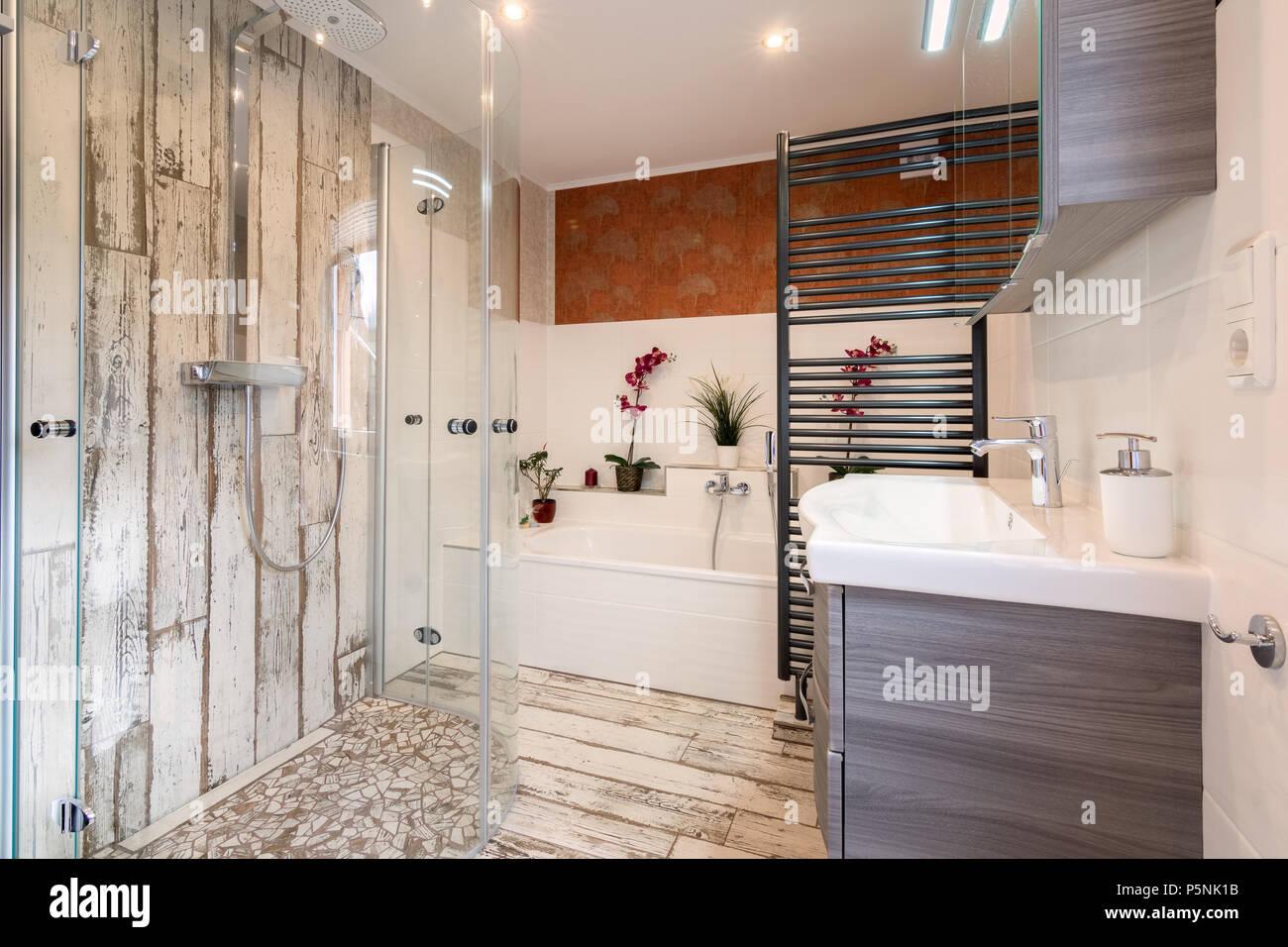 Bagno moderno in stile vintage foto immagine stock