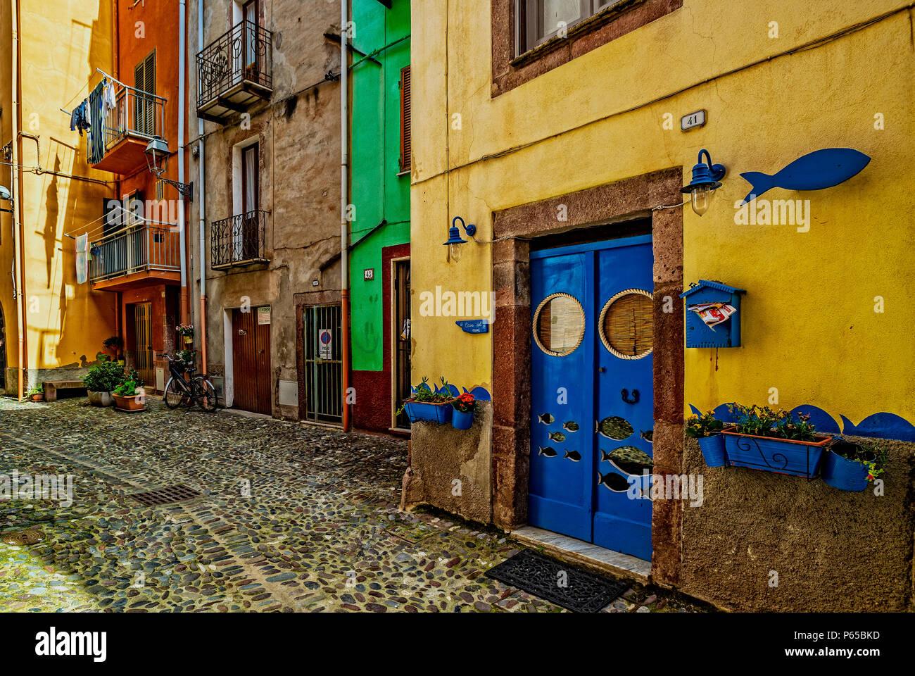 Italia Sardegna Bosa,centro storico,case colorate Foto stock - Alamy