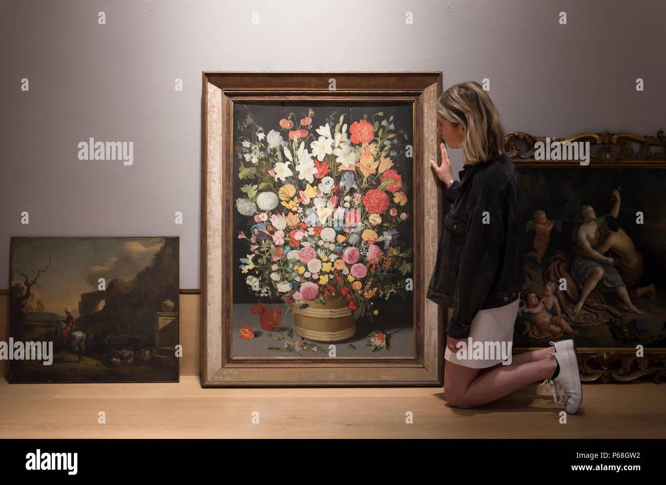 Bonhams New Bond Street, Londra, Regno Unito. 29 Giugno, 2018. Un esteso mazzo di primavera ed estate fiori della Bottega di Jan Brueghel il Giovane (1601-1678). Questo insolitamente grande e sontuosa olio su pannello, preventivo è £70,000-100,000 nei vecchi maestri vendita anteprima. La vendita avviene su Mercoledì 4 luglio 2018 a 2pm. Credito: Malcolm Park/Alamy Live News. Immagini Stock