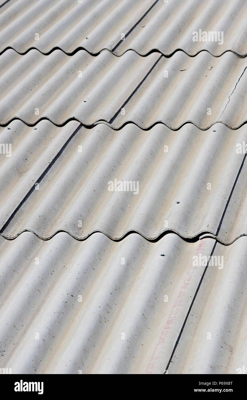 Vecchio Materiale Da Copertura materiale di amianto immagini & materiale di amianto fotos