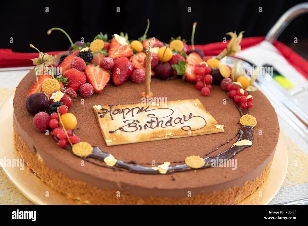 Sorprese Per Un Compleanno una sorpresa torta di compleanno per gli stati uniti