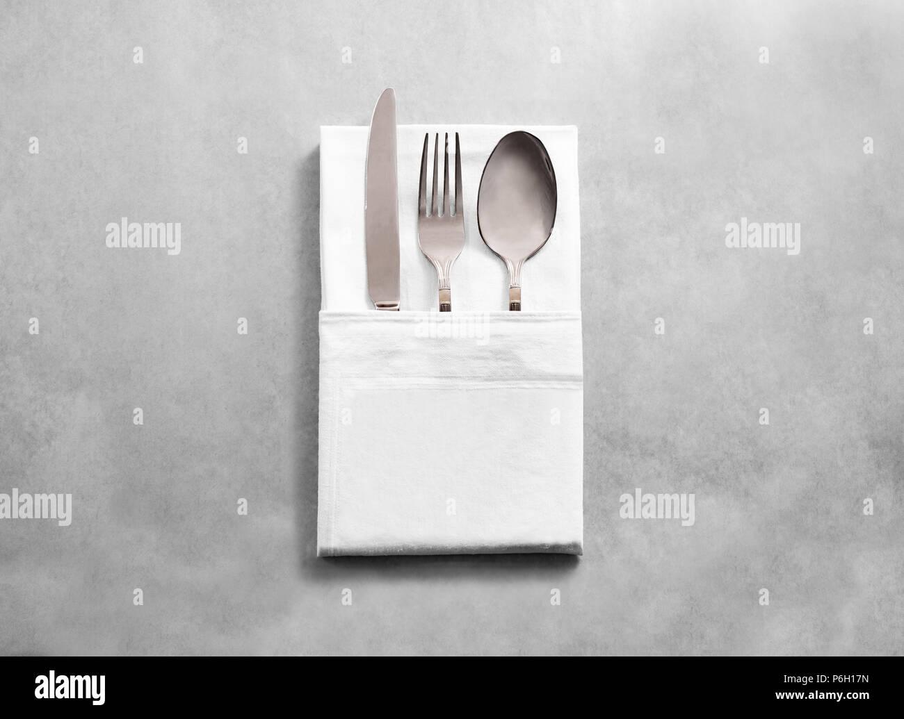 Posate Argento Come Pulirle vuoto bianco panno ristorante igienico mockup con argento
