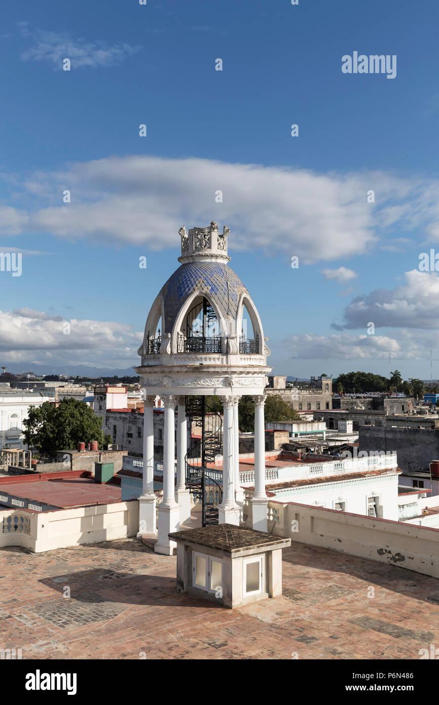 Torre sul tetto della Casa de Cultura nel Palacio Ferrer, Cienfuegos, Cuba. Immagini Stock