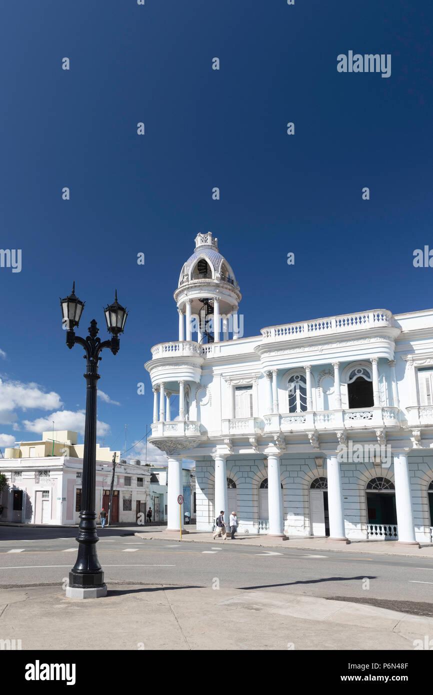 La Casa de Cultura nel Palacio Ferrer da Plaza José MartÃ-, Cienfuegos, Cuba. Immagini Stock