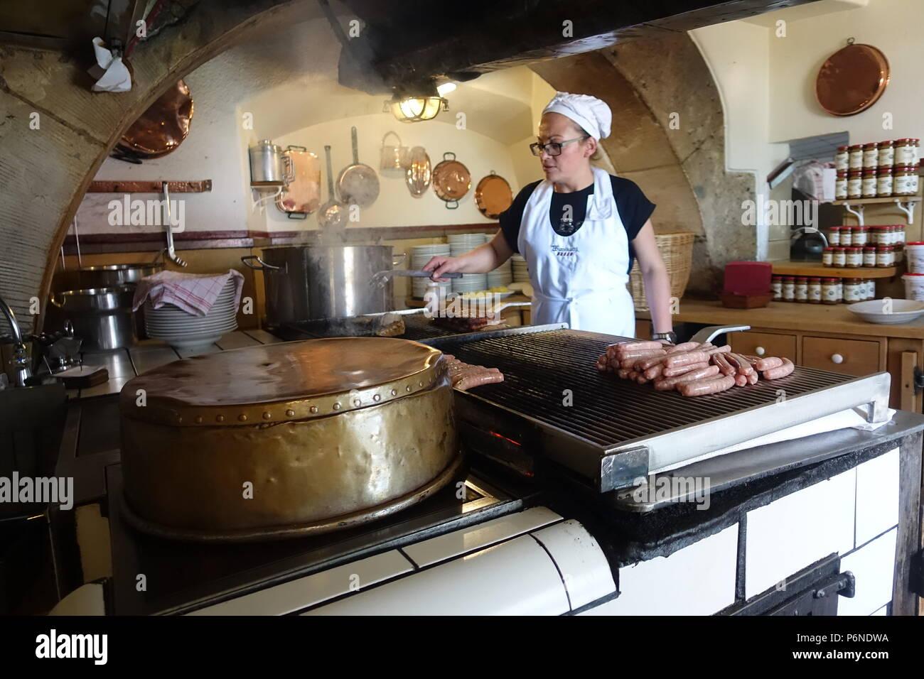 Vecchia Cucina Salsiccia a Regensburg, Germania Foto ...