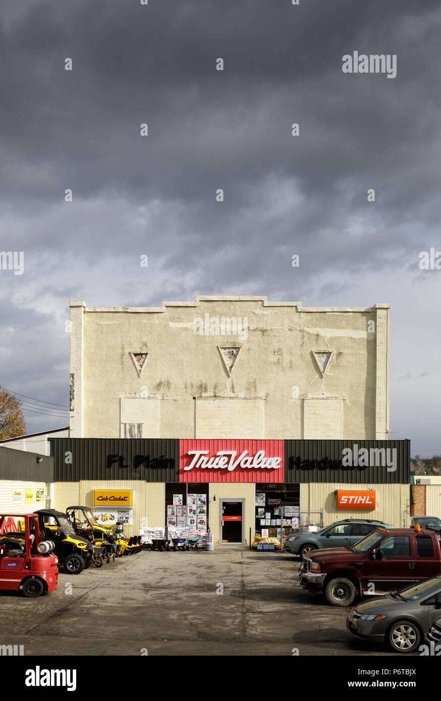 Fort pianura, nello Stato di New York, Stati Uniti d'America: un valore vero negozio di ferramenta. Immagini Stock