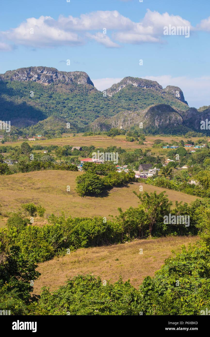 Cuba, Pinar del RÃ-o Provincia, Vinales, vista di Vinales Valley Immagini Stock