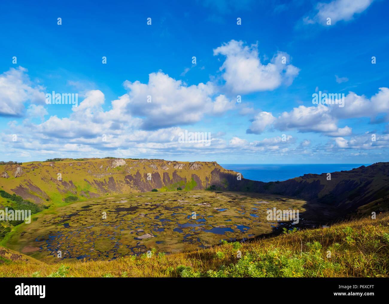 Il cratere di Rano Kau vulcano, l'isola di pasqua, Cile Immagini Stock