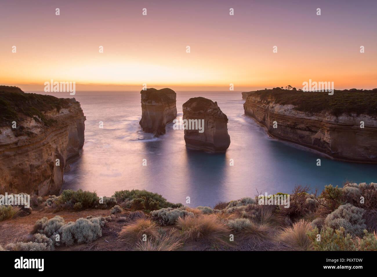 Alla Gola Loch Ard al tramonto, Parco Nazionale di Port Campbell, Great Ocean Road, Victoria, Australia Foto Stock