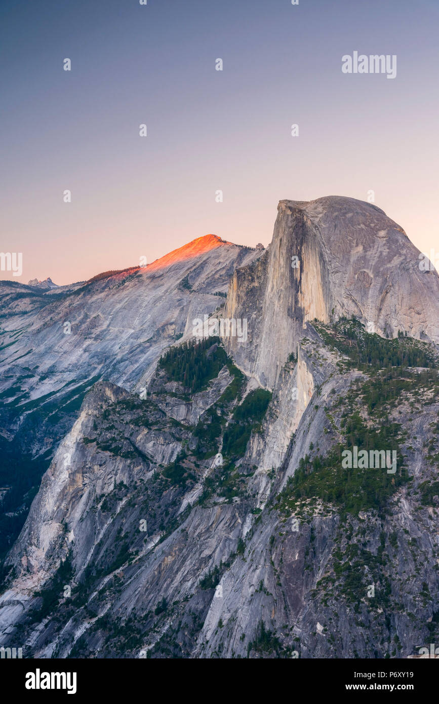 Stati Uniti d'America, in California, del Parco Nazionale Yosemite, mezza cupola Immagini Stock