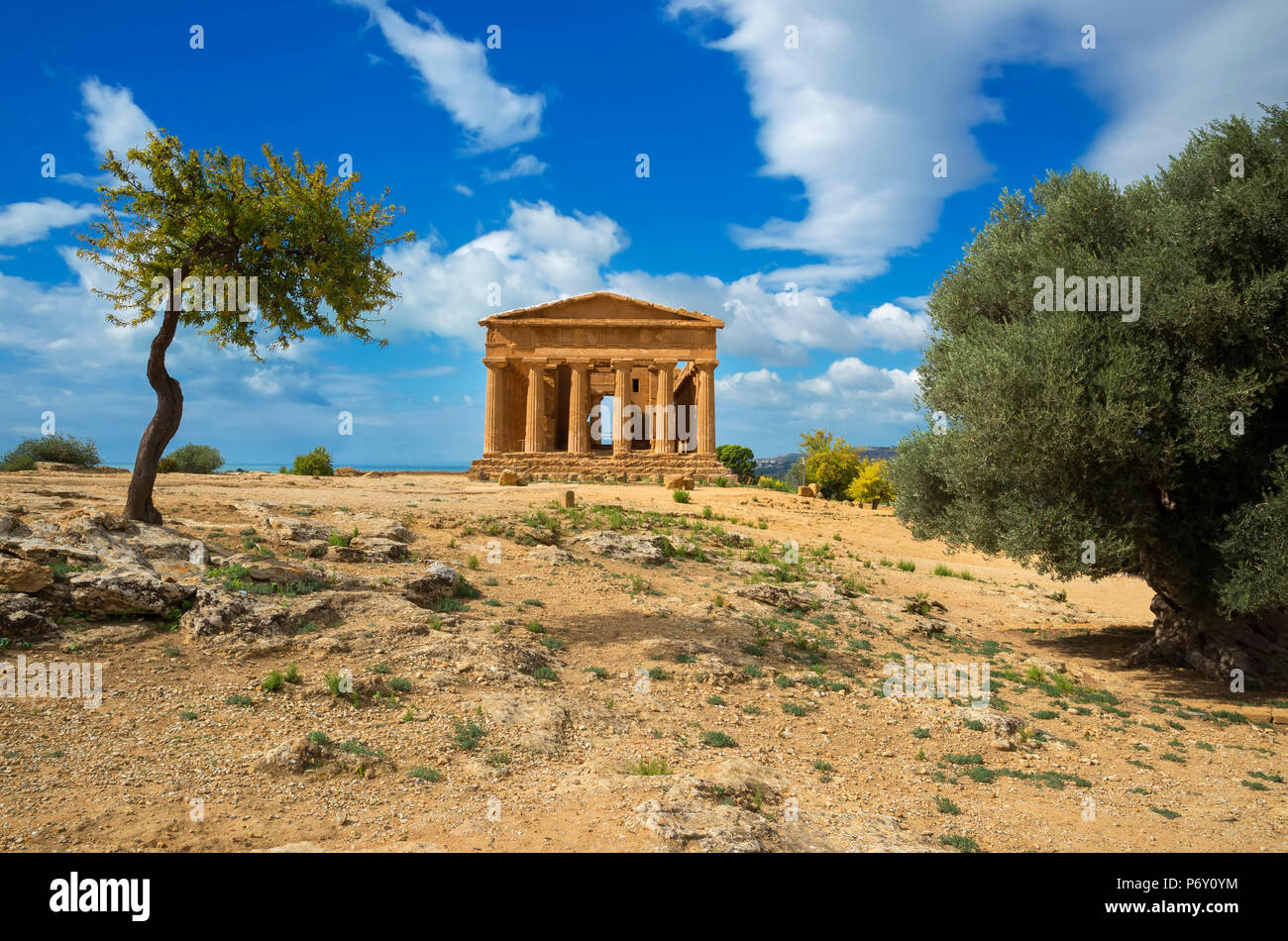 Tempio della Concordia e Valle dei Templi, Agrigento, Sicilia, Italia Immagini Stock