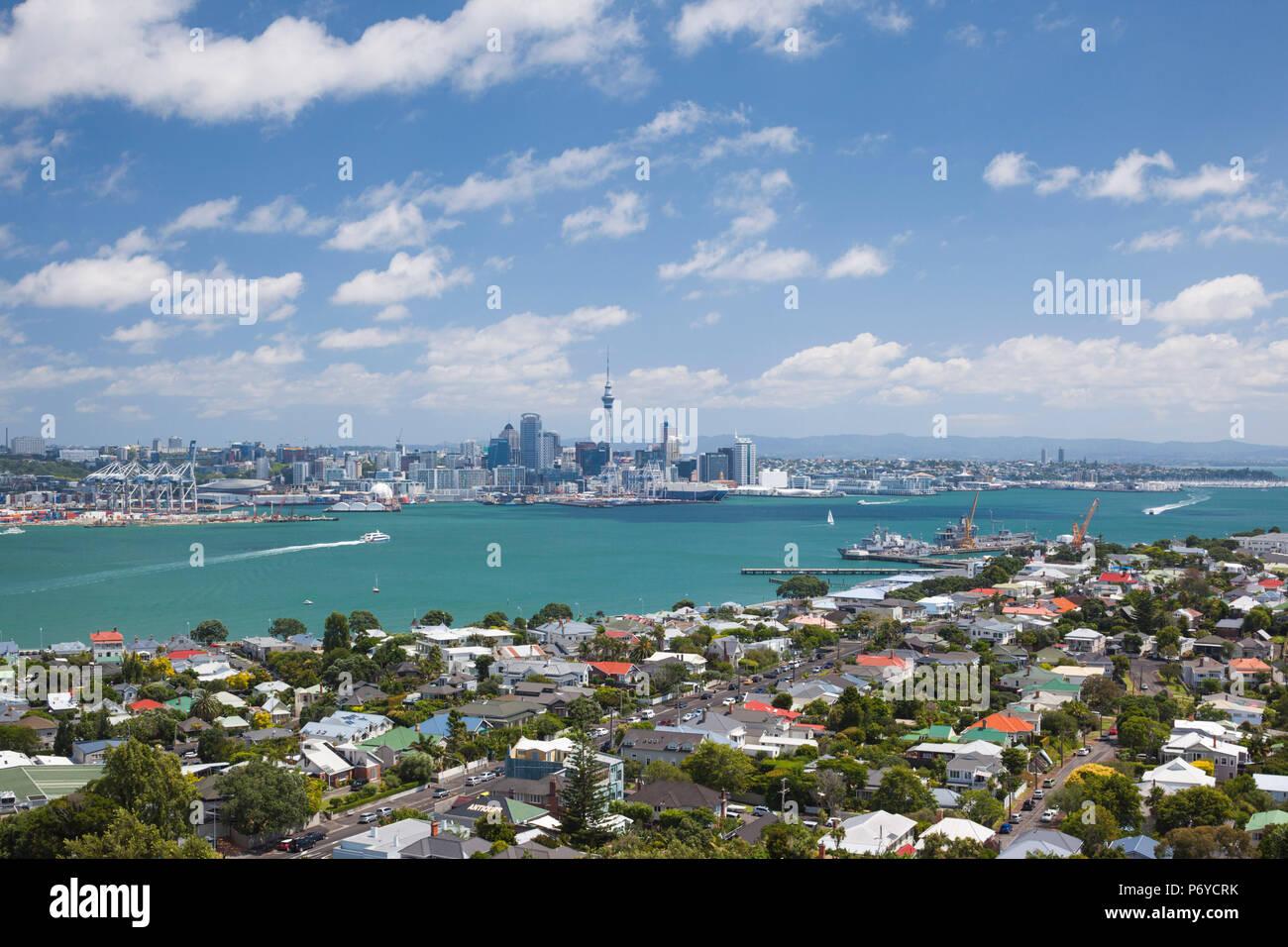 Nuova Zelanda, Isola del nord di Auckland, in vista dello skyline di Devonport Immagini Stock