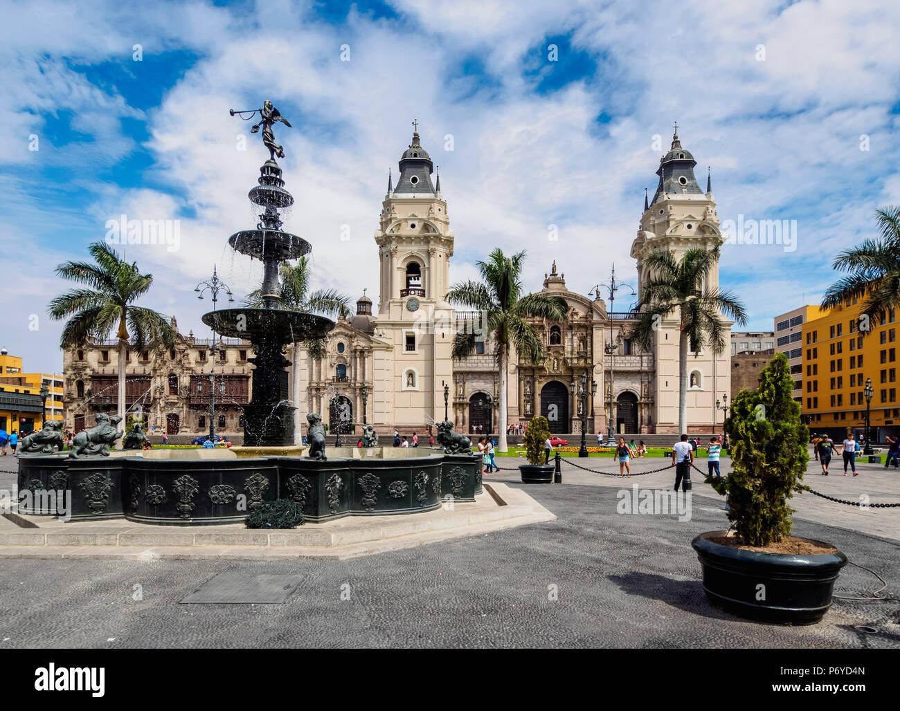 Cattedrale di San Giovanni apostolo ed evangelista, Plaza de Armas, Lima, Peru Immagini Stock