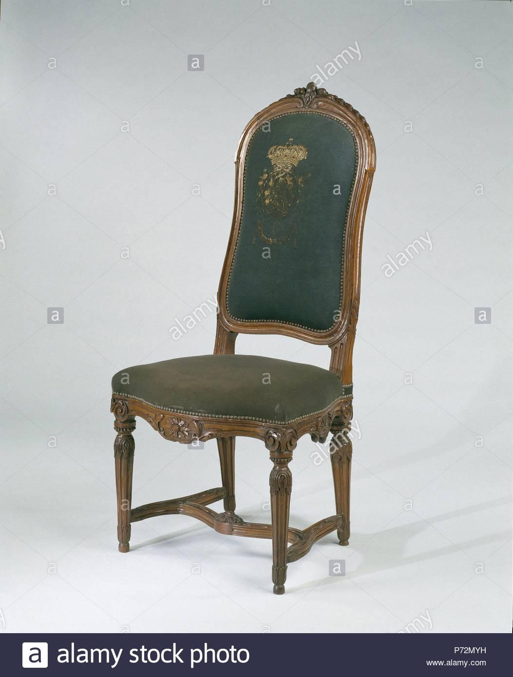 Sedie Legno Rivestite Tessuto.Sedia In Legno Di Faggio Con Gambe Scanalate E Scolpite Rivestita