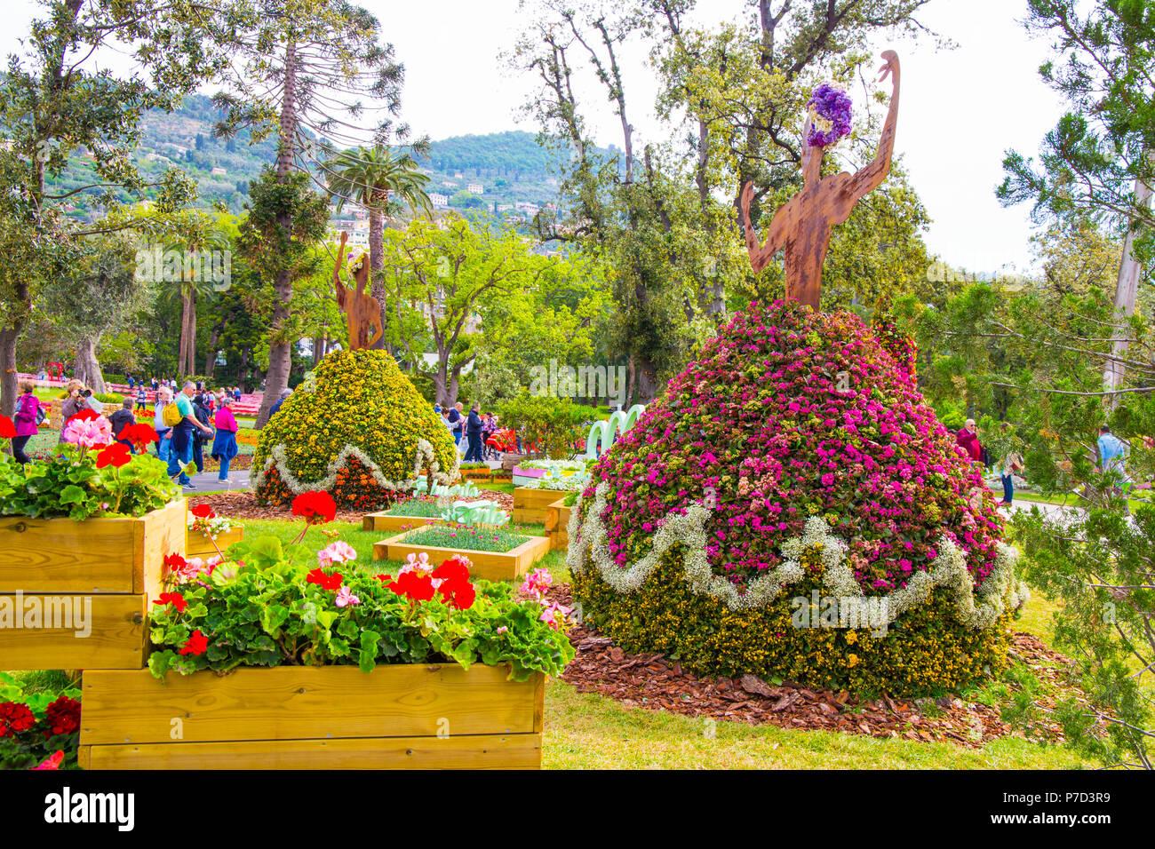 Genova italia 3 maggio 2018 fiori composizione durante for Fiori ornamentali
