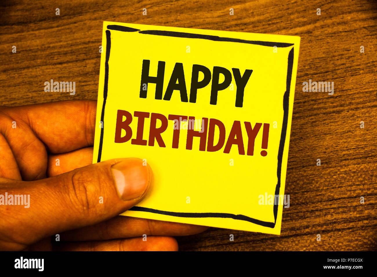 Idee Fotografiche Anniversario : Parola di scrittura di testo happy birthday motivazionali di