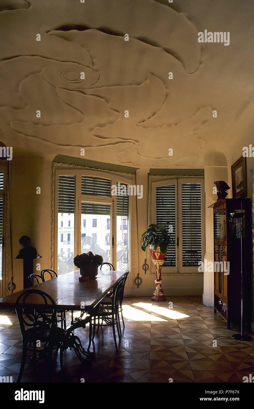 Spagna, Barcellona. Casa Mila o La Pedrera. Edificio ...
