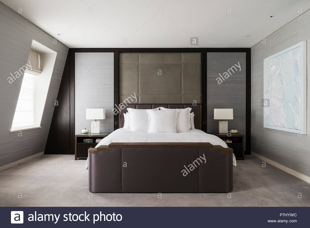 Camere Da Letto Design Minimalista : Camera da letto minimalista foto immagine stock alamy