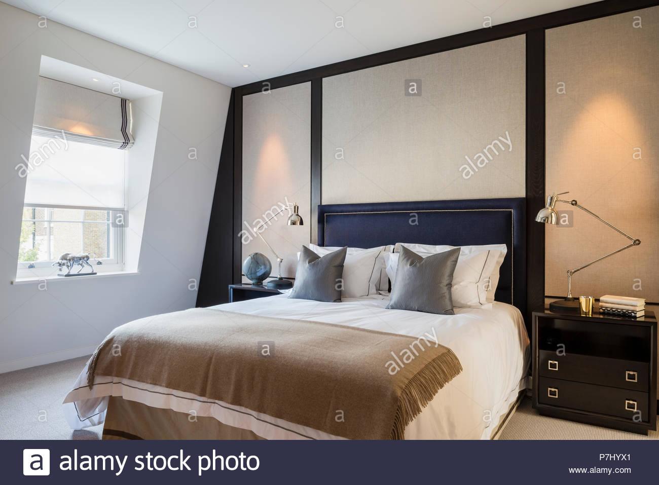 Camere Da Letto Maschili : Letto matrimoniale in camera da letto maschile foto immagine