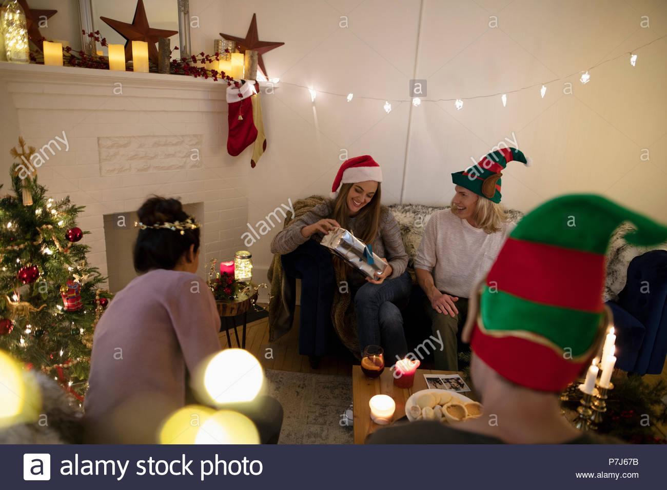 Regali Di Natale Amici.Amici Di Millenaria Di Aprire I Regali Di Natale In Un