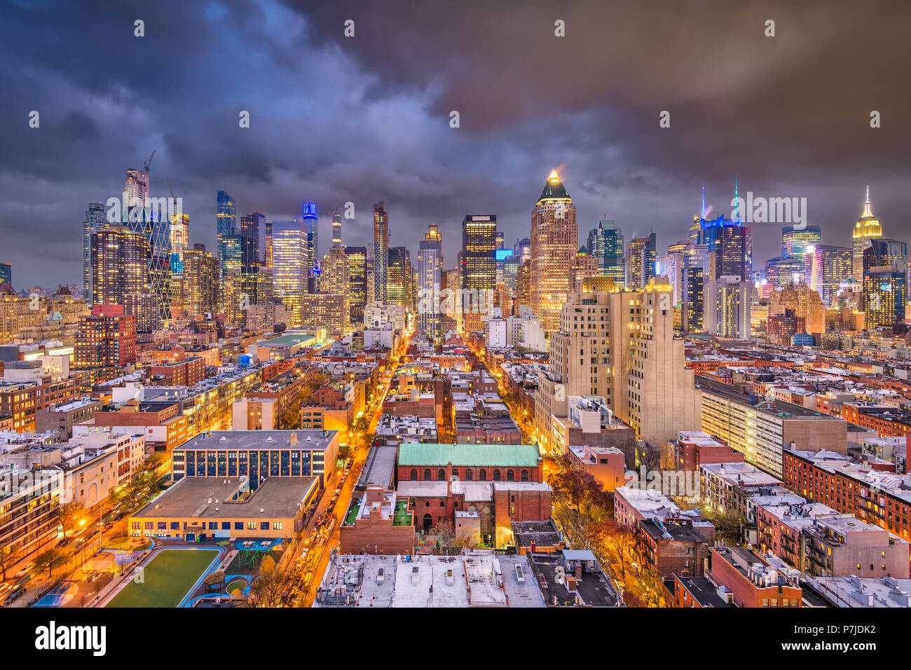 New York, New York, Stati Uniti d'America cityscape di Manhattan al crepuscolo. Immagini Stock