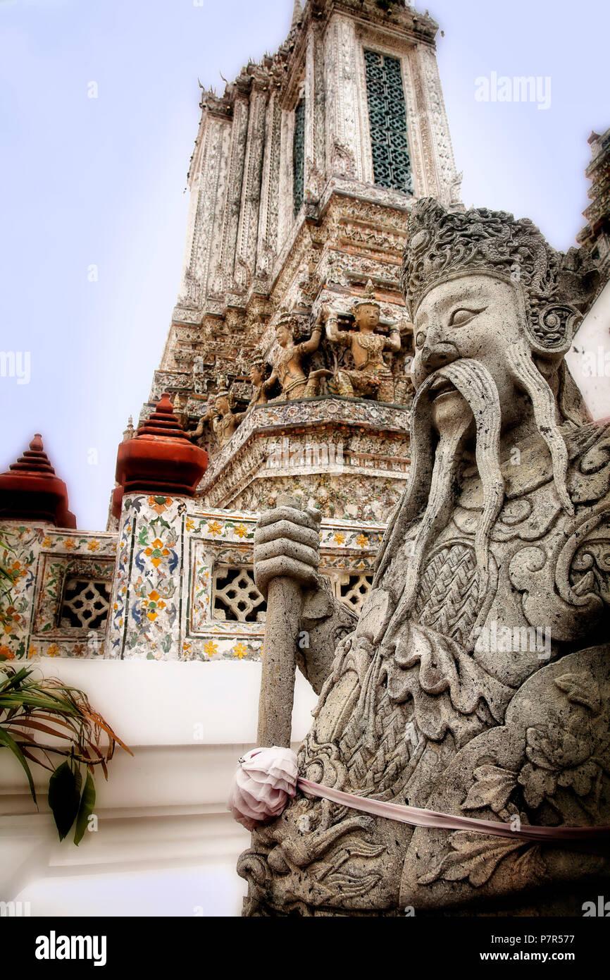 Wat Arun sulla Choa Phraya. Bangkok, Tailandia. Immagini Stock