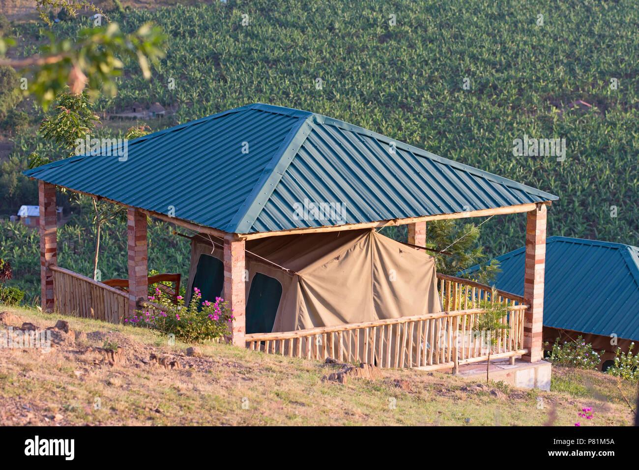 Nido dell'Aquila, Tented Camp al Lago Mburo, Safari Lodge, Resort, Uganda, Africa orientale Immagini Stock