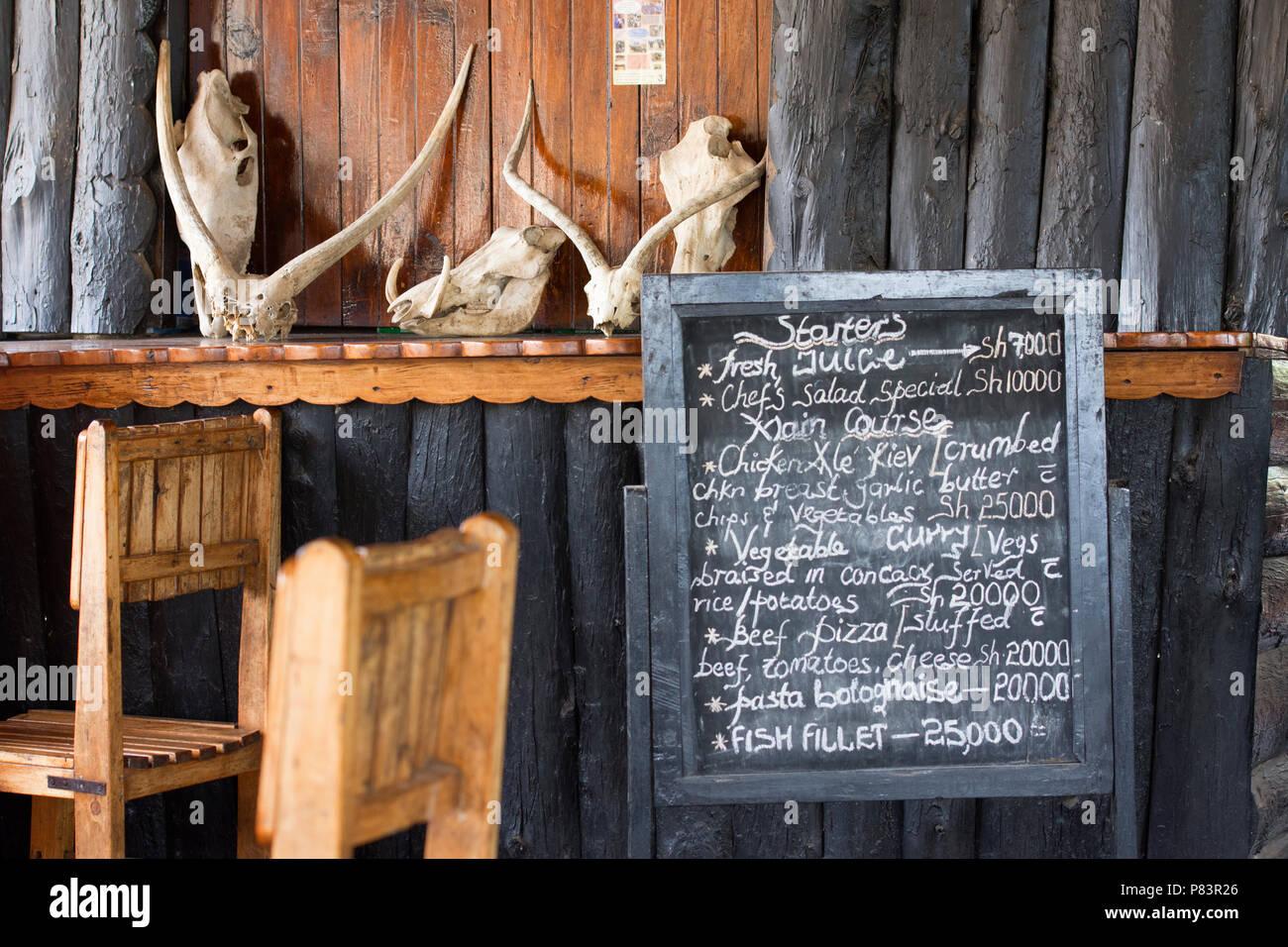 Il menu del ristorante, il lago Mburo National Park in Uganda, Africa orientale Immagini Stock