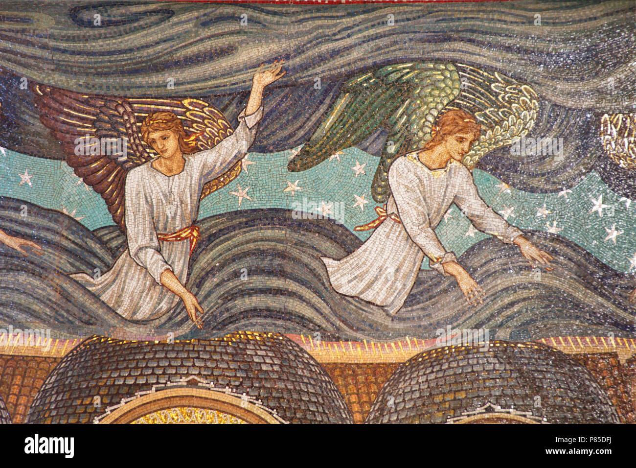 Due angeli - dettaglio dei mosaici Burne-Jones - San Paolo entro le mura - Roma Immagini Stock