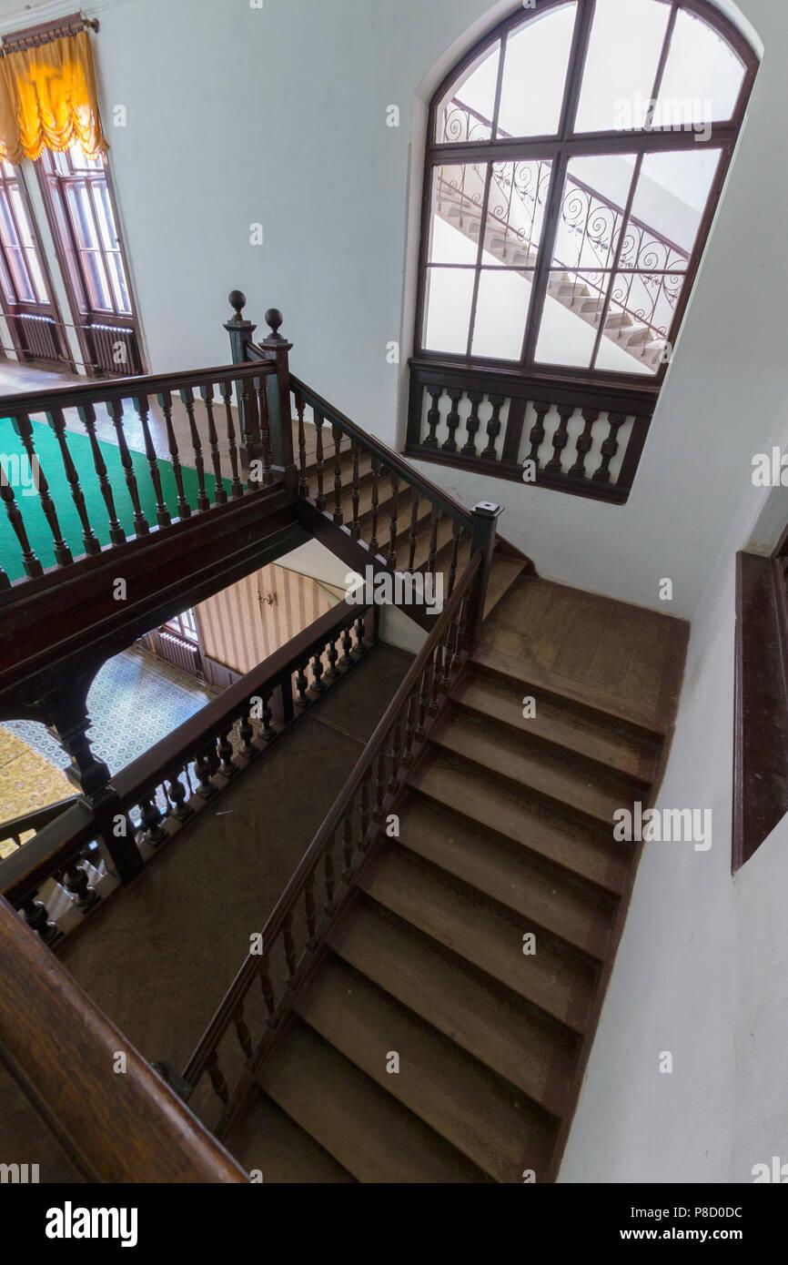 Scala Di Legno Decorativa vintage antiche scale in legno con bella ringhiera