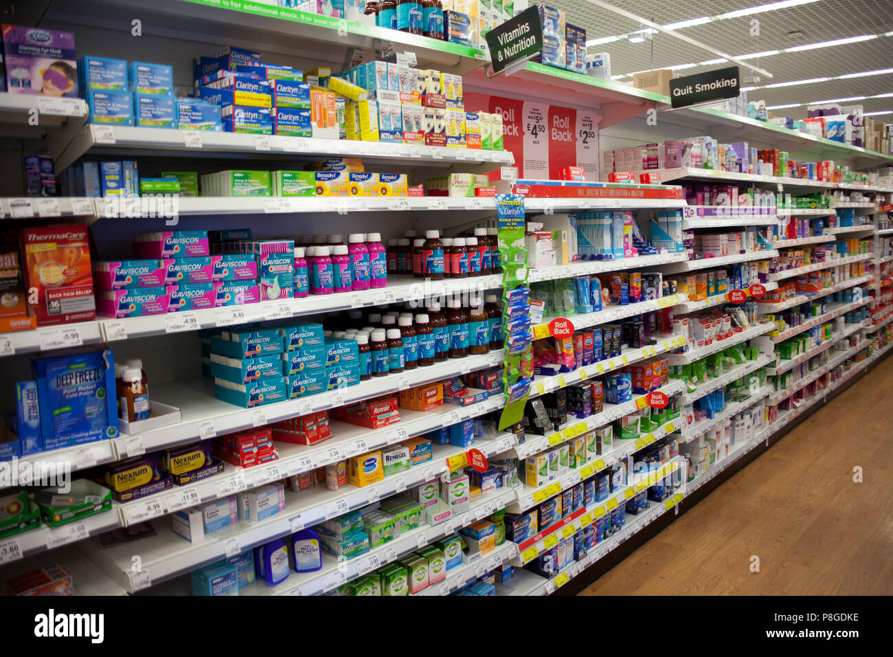 Wolverhampton Regno Unied Giu 16 2018 Smettere Di Fumare Prodotti In Un Supermercato Prodotti Per La Nutrizione In Un Negozio Dipartimentale Salute E Benessere Auto Foto Stock Alamy