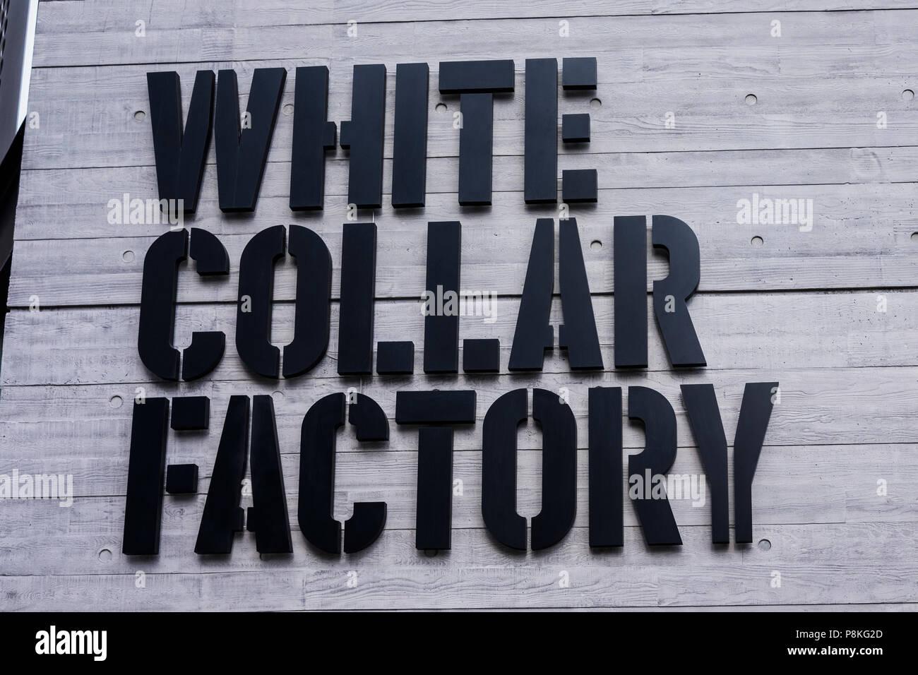 Collare bianco Fabbrica, Old Street rotonda, London, England, Regno Unito Immagini Stock