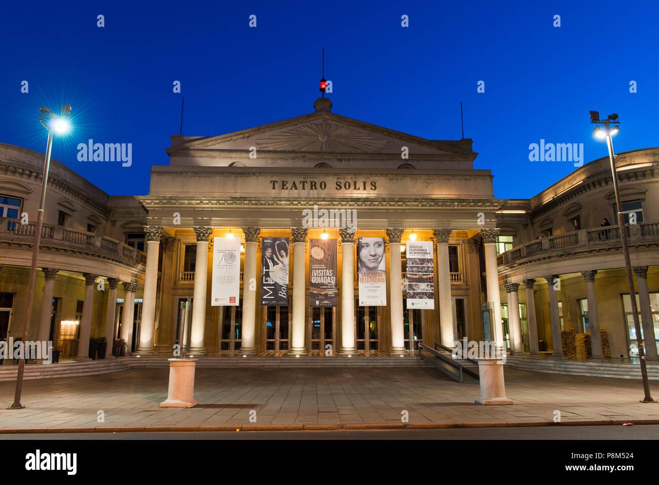 Teatro Solis, teatro, crepuscolo, Montevideo, Uruguay Immagini Stock