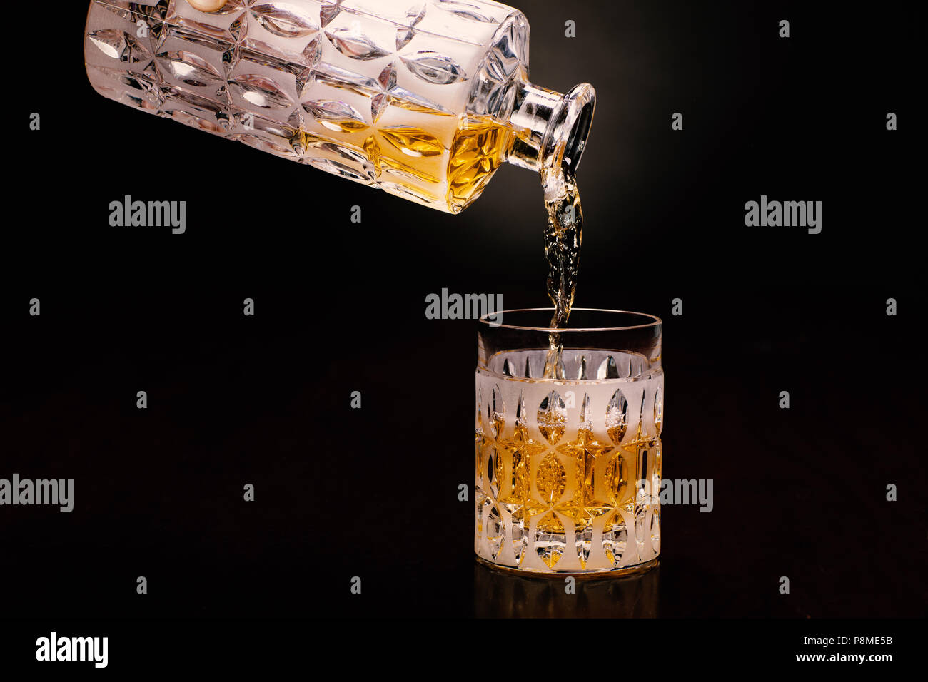 Whisky Whiskey, bottiglia, Handmodel Foto Stock