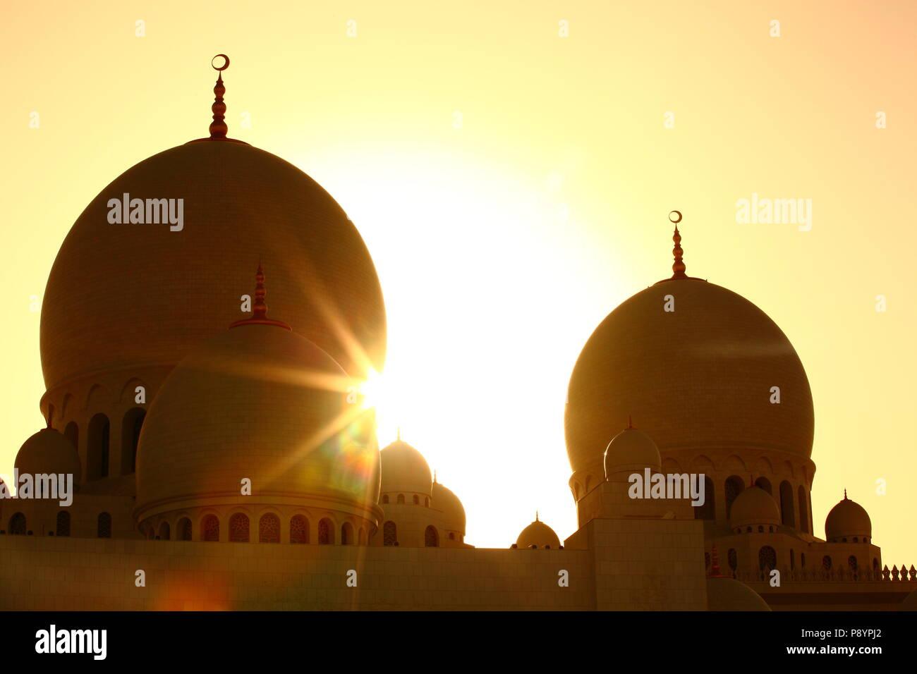 Sheikh Zayed Grande Moschea Dubai architettura islamica pregando persone Immagini Stock